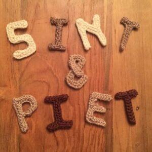 gehaakte letters sint en piet