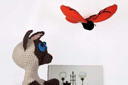 Harry-zoekt-vera-haakpatroon-vlinder-handpop